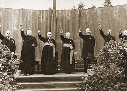 Röm.-kath. Priester und ev.-luth. Pastoren bedanken sich mit dem Hitlergruß für das Reichskonkordat
