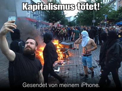 Foto eines Randalierers beim Hamburger G20-Gipfel, der mit seinem iPhone ein Selfie nimmt. Dazu der Text: Kapitalismus tötet! Gesendet mit meinem iPhone.