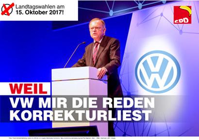 Stephan Weil an einem Rednerpult, im Hintergrund das VW-Logo. Landtagswahlen am 15. Oktober 2017. WEIL VW MIR DIE REDEN KORREKTURLIEST. Das SPD-Logo ist ein wenig bearbeitet. anstelle des Niedersachsenrosses steht eine Banane, der Schriftzug 'SPD' ist im Untergehen begriffen.